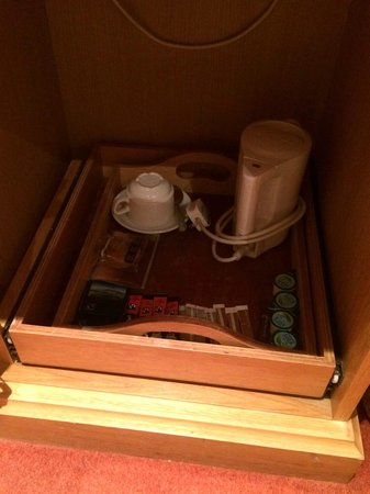Quality Hotel Andover : Tea and Coffee Tray