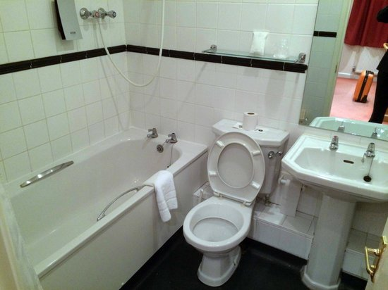 Quality Hotel Andover : Bathroom