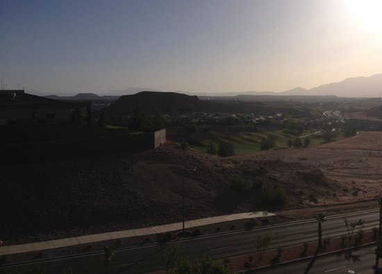Holiday Inn Express Hotel & Suites: View from hotel overlooking Falcons Ridge Golf Club