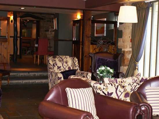 The Hopper Lane Hotel: Comfy chairs