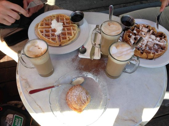 Caffe Greco: Best waffles ever!