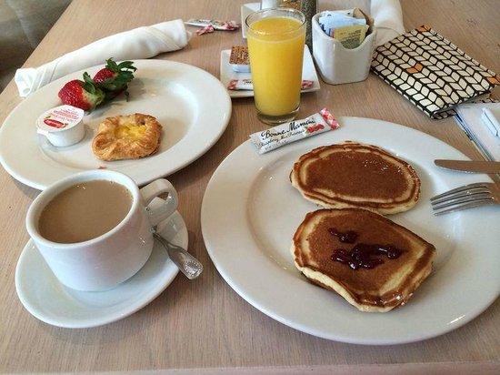 Grand Beach Hotel : Café da Manhã
