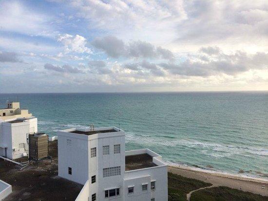 Grand Beach Hotel: Vista para o Mar