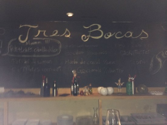 Restaurante Tres Bocas: lavagna all'interno del locale