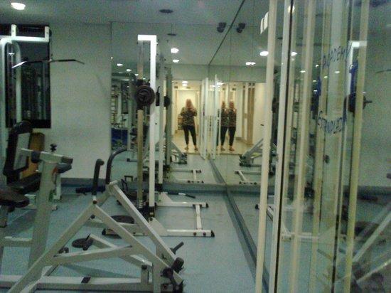 Estanplaza Berrini: Simpática área de fitness