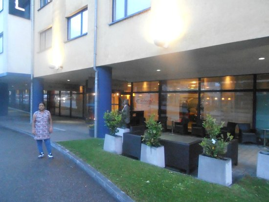 NH Zürich Airport: side view of Hotel with Mrs. Uma Devendra Singhal