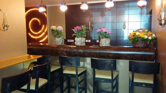 Delphi Art Hotel: Nice bar