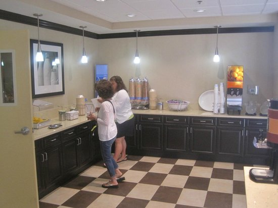 Hampton Inn & Suites Reno: Breakfast area, Hampton Inn, Reno, Nevada