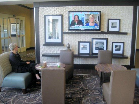 Hampton Inn & Suites Reno: Breakfast area TV, Hampton Inn, Reno, Nevada