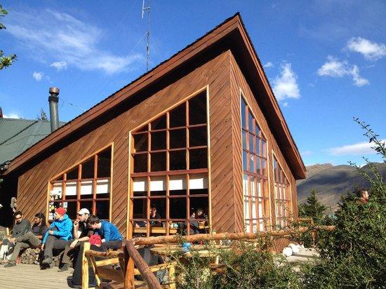 Los Cuernos Refugio, Cabanas, Domos & Camping: Comedor