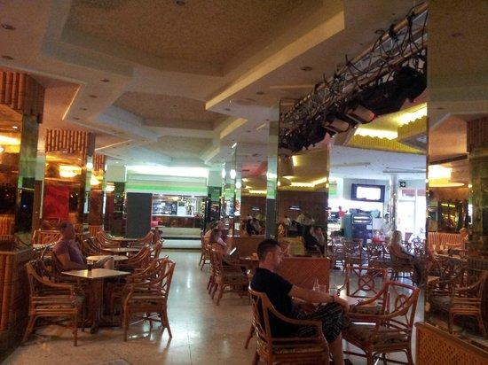 HOTEL PALM BEACH: Bar