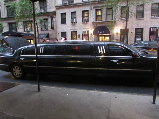 Best Western Plus Hospitality House: When the limo pulled up