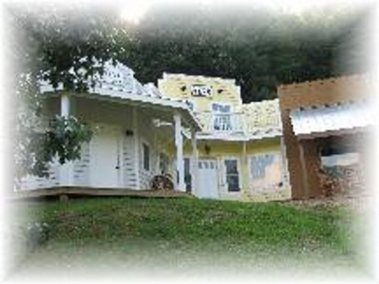 Valle Crucis Bed & Breakfast : Themed Suites
