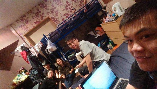 Sleep Sheffield : Having fun in the room