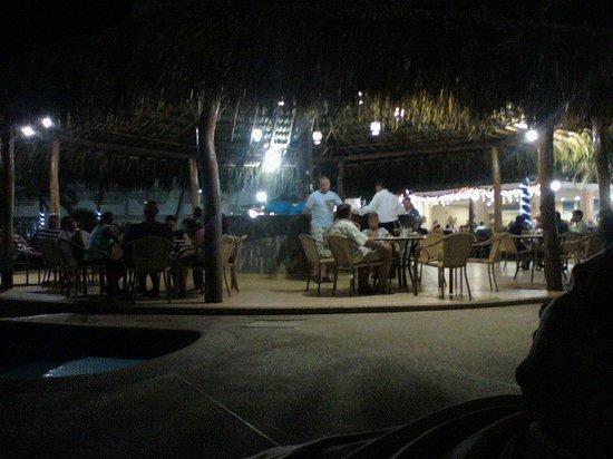 SUNSOL Isla Caribe: Bar de pileta