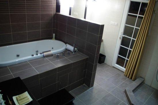 Junior Suite Bathroom Jacuzzi Bath Shower Inside And Outside