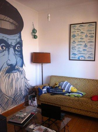 West Hostel: Lounge Room