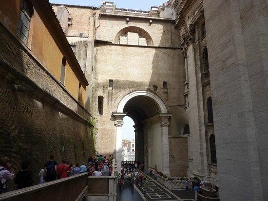 Baja Bikes Rome - Tours