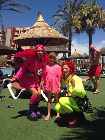 Holiday Village: Visits by Jammin and Angel around the pool