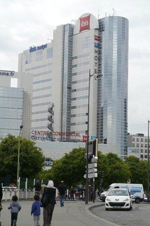 Ibis Paris Porte De Montreuil : The hotel.