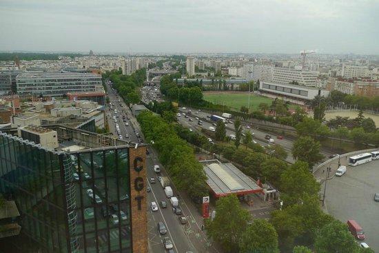 Ibis Paris Porte De Montreuil : View from my room.