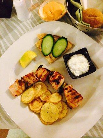 Almira Restaurant: Chicken soulvaki