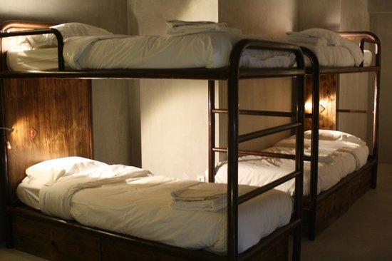 N1 Hostel Santarém Apartments and Suites