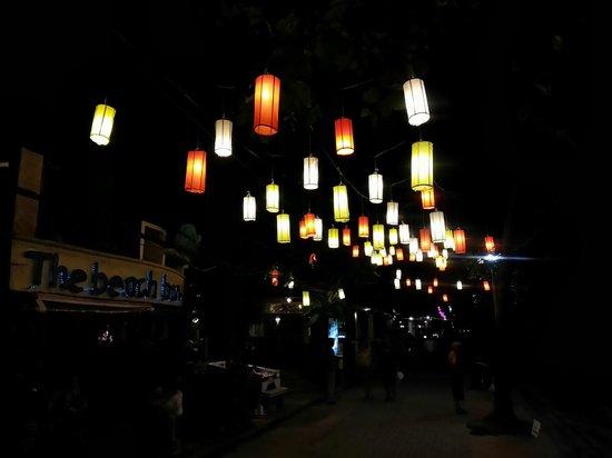 Phra Nang Inn : Night