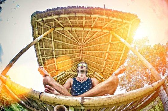 Ujung Water Palace - Padangbai - Bali - Indonesia - Wandervibes - meditating in a little bamboo