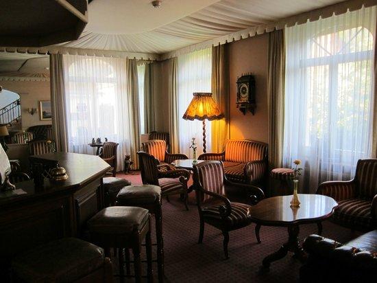 Hotel de la Paix : Charming Bar Area