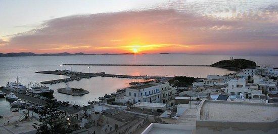 Naxos Town, Greece: Греция, о. Наксос, закат,порт. Вид из замка – музея