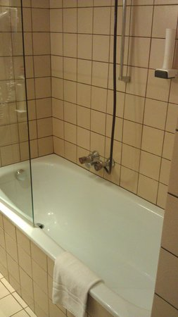Hotel Sailer: bathroom