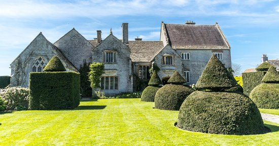 Lytes Cary Manor: The house and formal gardens