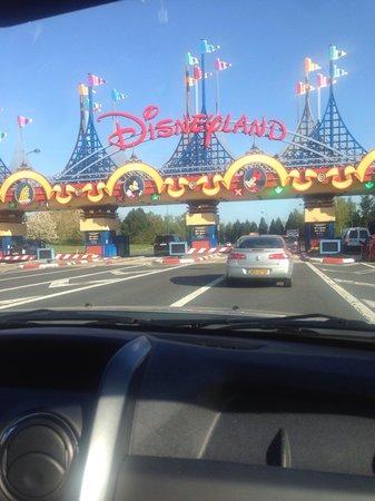 Magny Le Hongre Marne la Vallee: Parking Disney