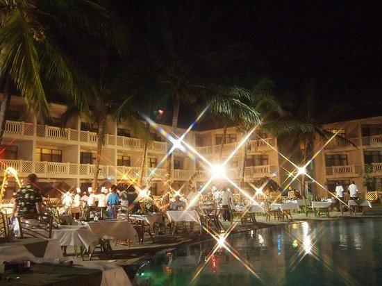 Amani Tiwi Beach Resort : Dinner African