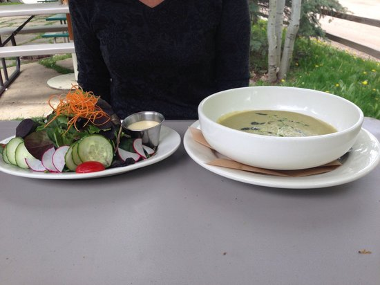 Wolcott Yacht Club: Soup and salad