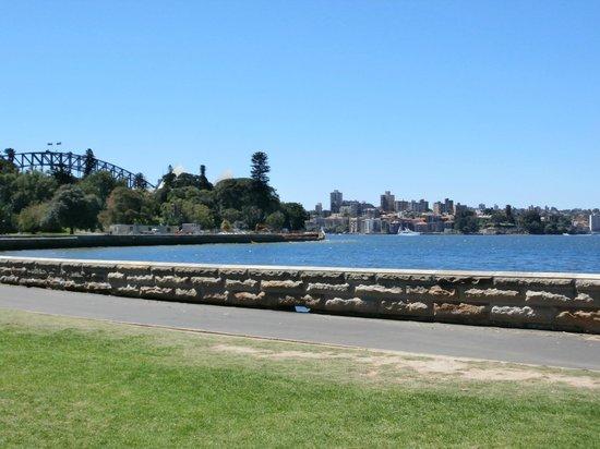 The Opera House to the Botanic Gardens Walk: View 2