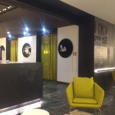 H10 Port Vell : Hotel Reception