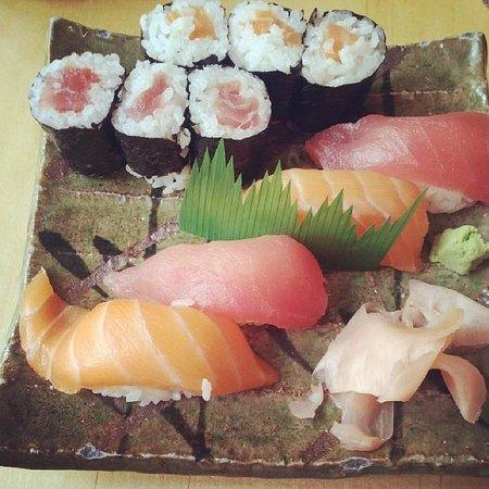 Hare and Tortoise: Sushi platter