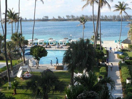 British Colonial Hilton Nassau: vista hacia la playa desde uno de los balcones del hotel