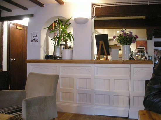 The Red Lion: Bar
