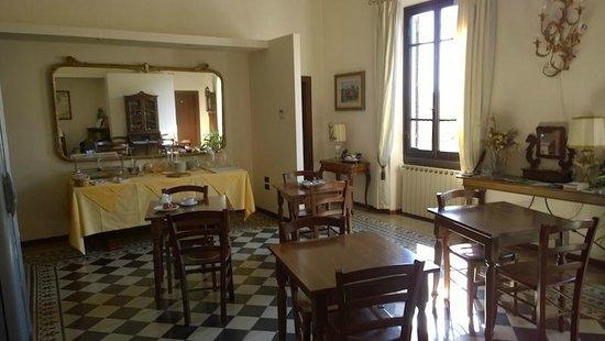 Hotel Emma: Breakfast room