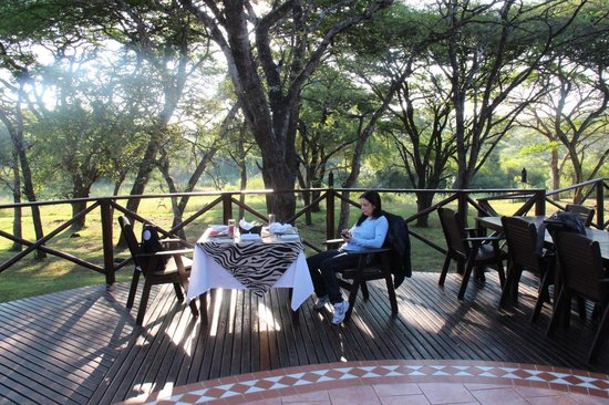 Thula Thula Exclusive Private Game Reserve and Safari Lodge: Breakfast table
