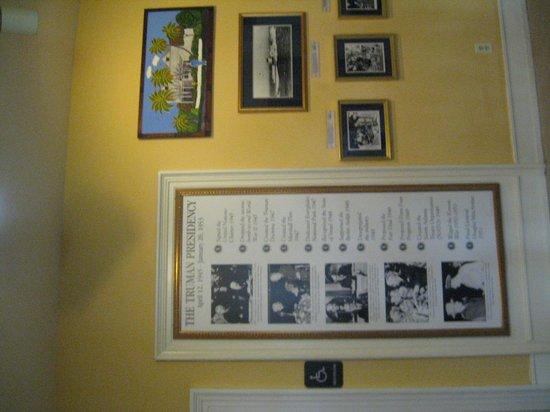Harry S. Truman Little White House : Foyer area