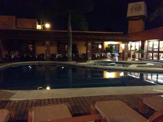 Hacienda La Noria: Piscine de nuit