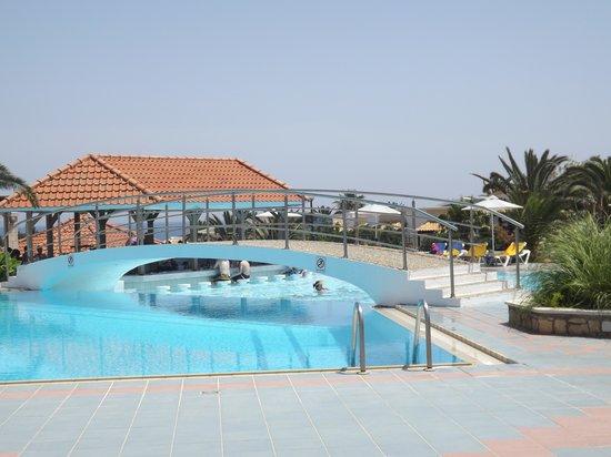 Annabelle Beach Resort : quieter pool