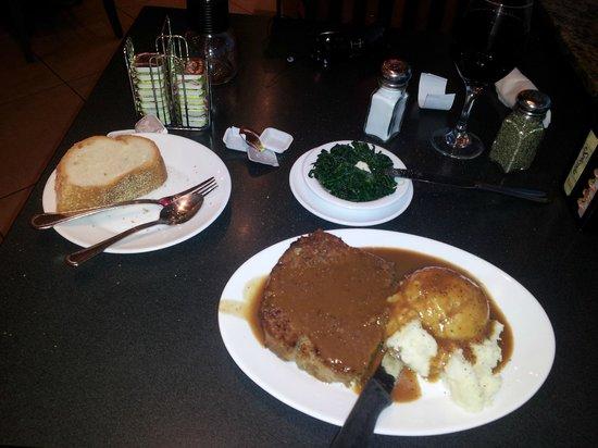 Robert's Restaurant: great, filling meatloaf