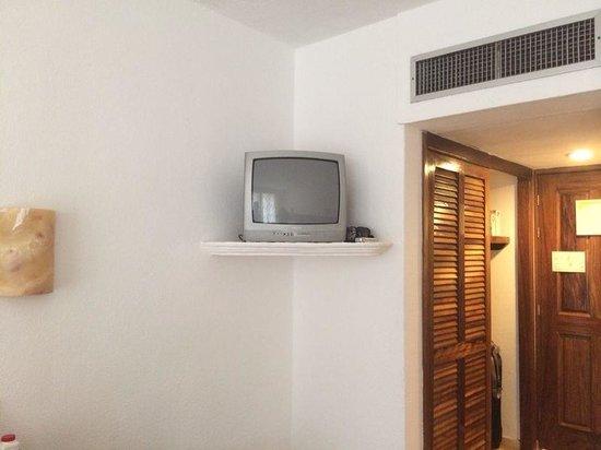 """Las Palmas by the Sea: """"Big screen"""" tv in room"""