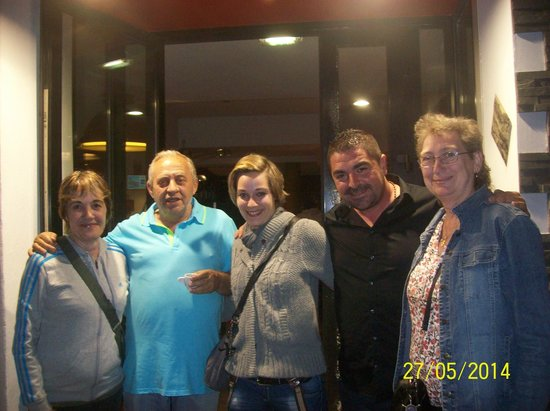"""LE NAUTICA DES GOUDES : l""""équipe du restaurant avec le PATRON"""