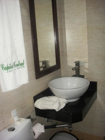 Capitol Central Hotel and Suites: Bad